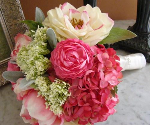 wedding_bouquet_peony_rananculas_garden_rose_hot_pink_cream_gree_b374f2f7