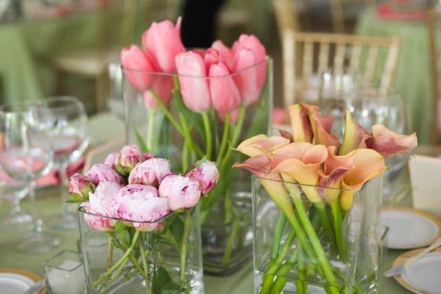 callas-peonies-tulips-Centerpieces