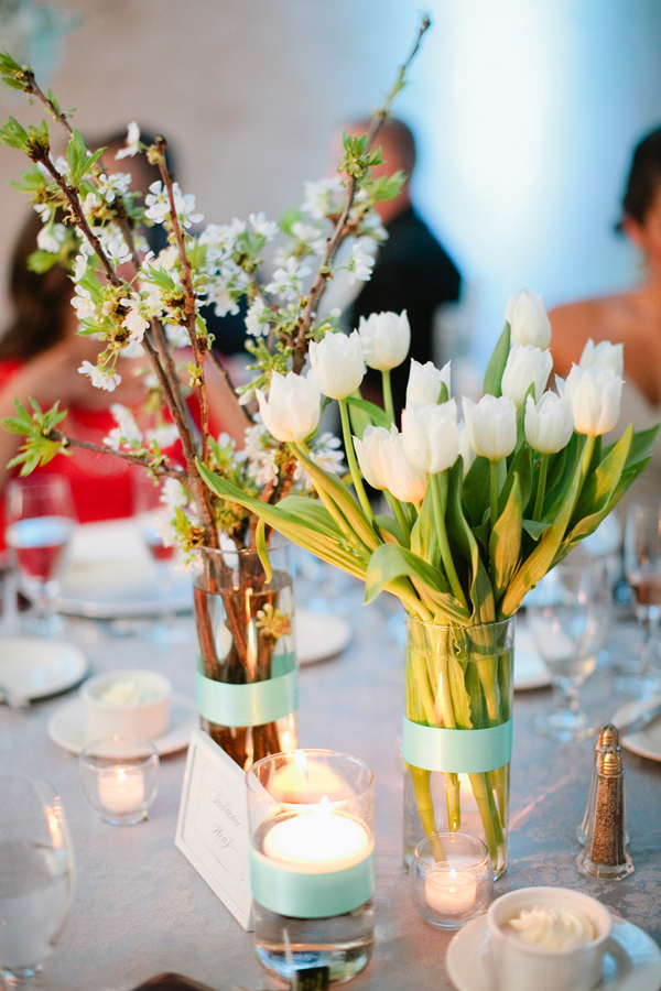 white-tulip-wedding-centerpiece__tulip_centerpieces_orlando_wedding__party_rentals