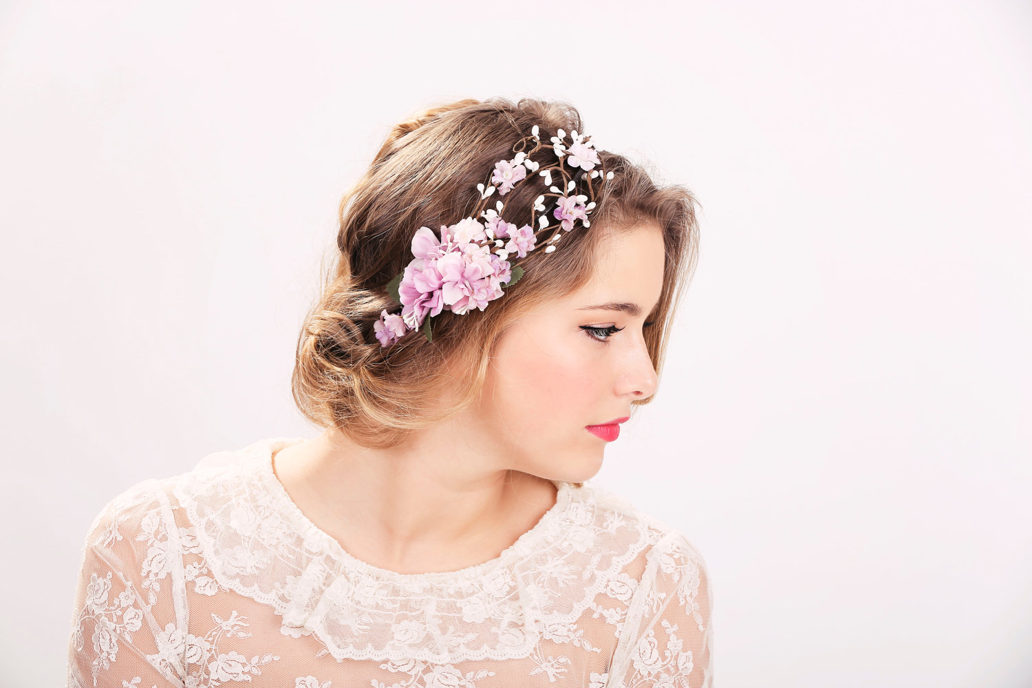 Wedding-Flower-Crowns-credit-to-luulla