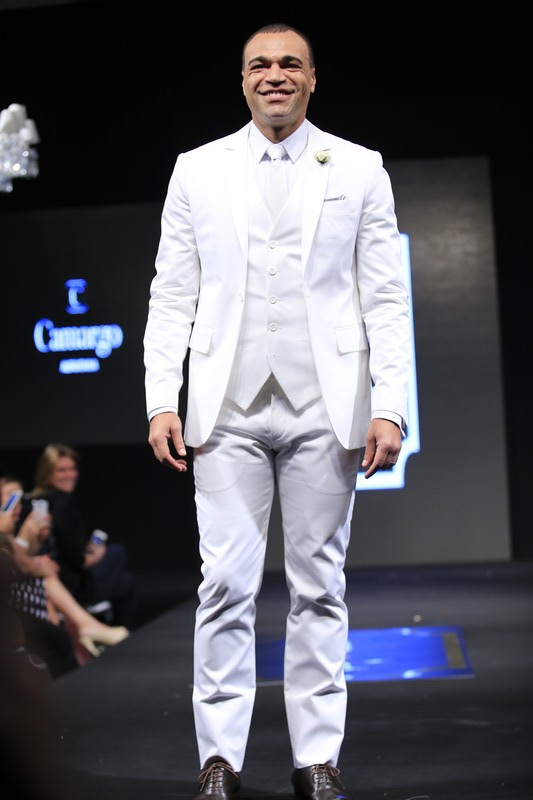 Carmargo-Alfaiataria-terno-branco-sapato-preto-IC-Week-SP-2015