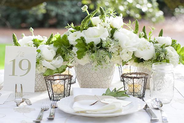 Decoração com flores brancas para inspirar…