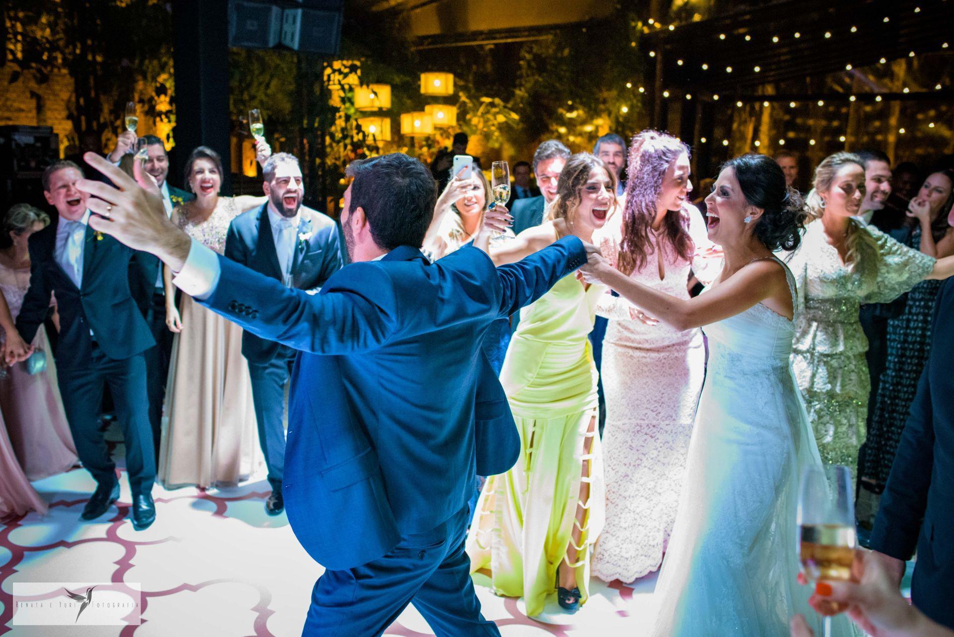 Dicas para bombar a pista de dança do casamento