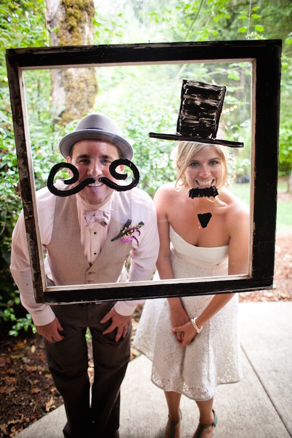 3-ideas-of-wedding-photo-props