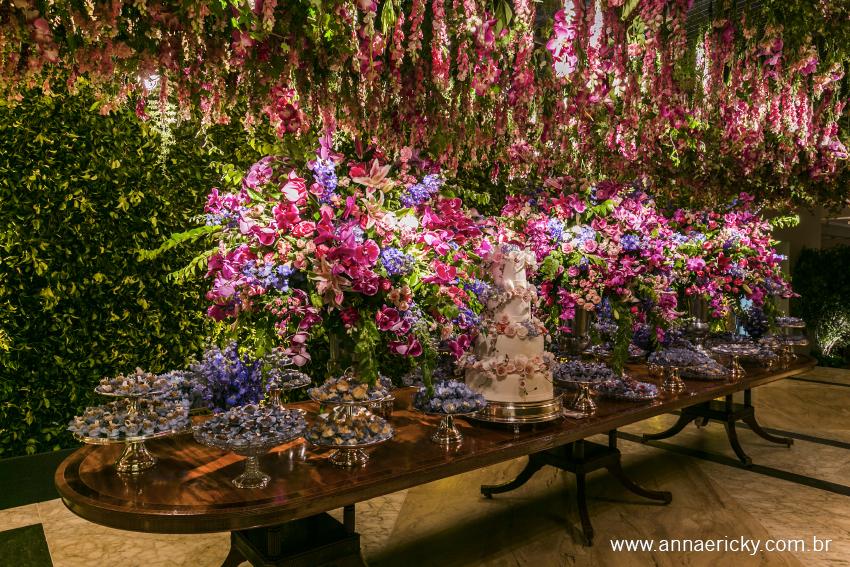 Decoração de mesa de doces para casamento