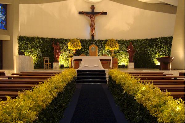 Decoração para cerimônia: igreja e buffet