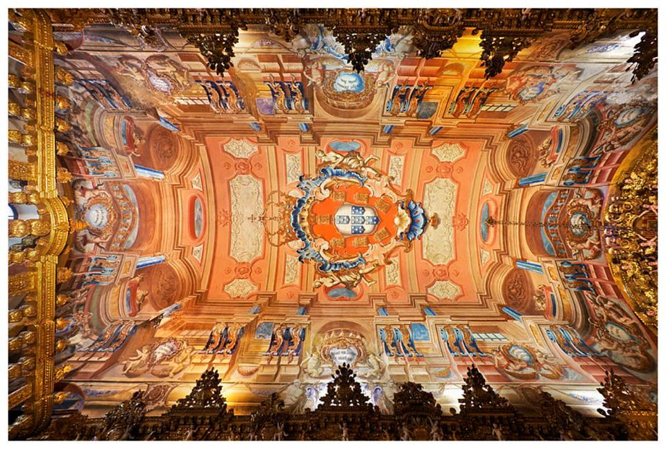 ALGARVE - O interior da igreja de Santo Ant¢nio