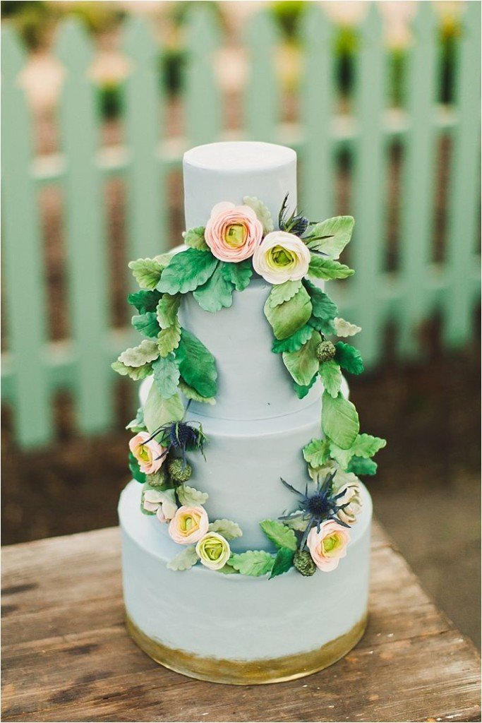 green-flash-pantone-wedding-cake-spring-683x1024
