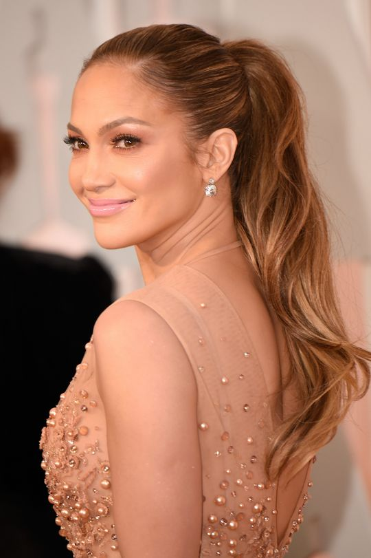 2015-oscars-beauty-jennifer-lopez-w540