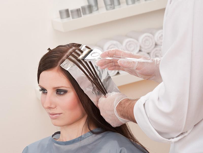 mudar a cor de cabelo antes do casamento não é recomendado
