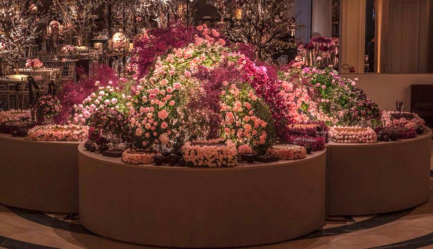 Decoração de casamento em tons de rosa por André Pedrotti
