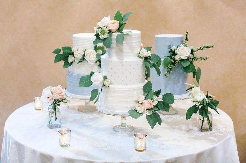 bolos de casamento com folhagens