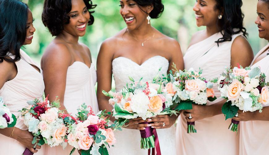 Dicas para penteado de noivas com cabelos crespos, ondulados e cacheados