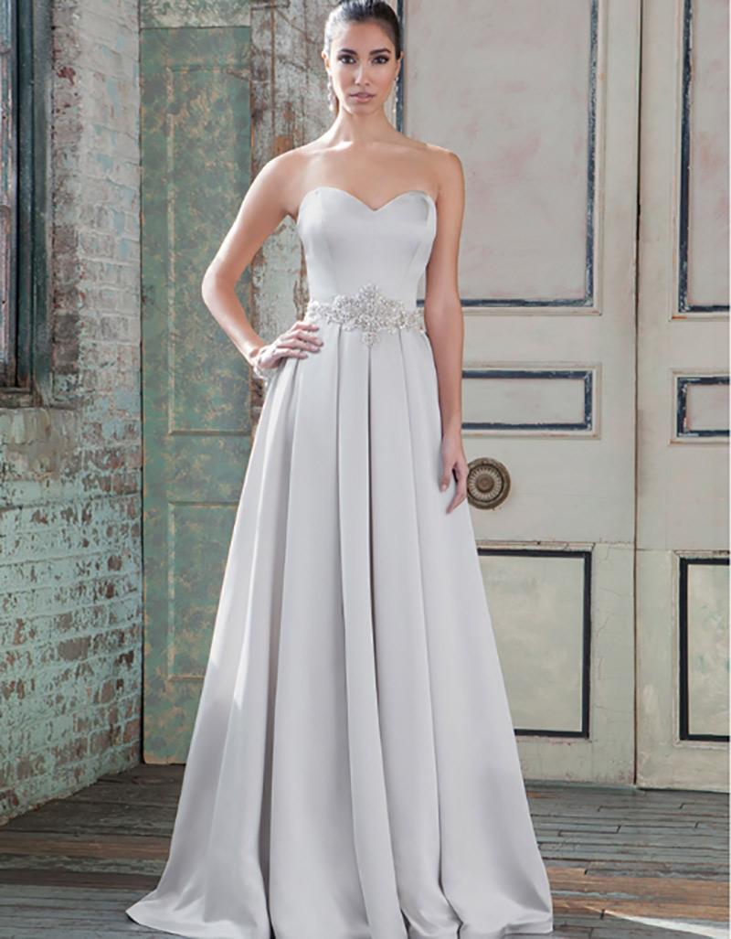 vestido de noiva com corte em A para noivas altas e magras black tie