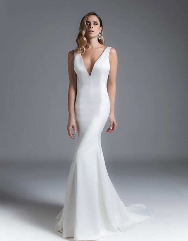 vestido de noiva com curvas acentuadas black tie