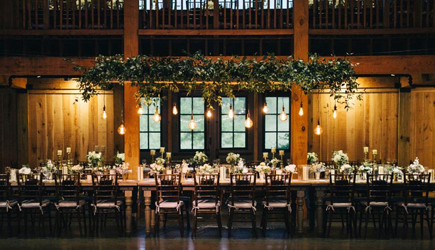 Saiba como fazer uma linda decoração de casamento em preto e branco