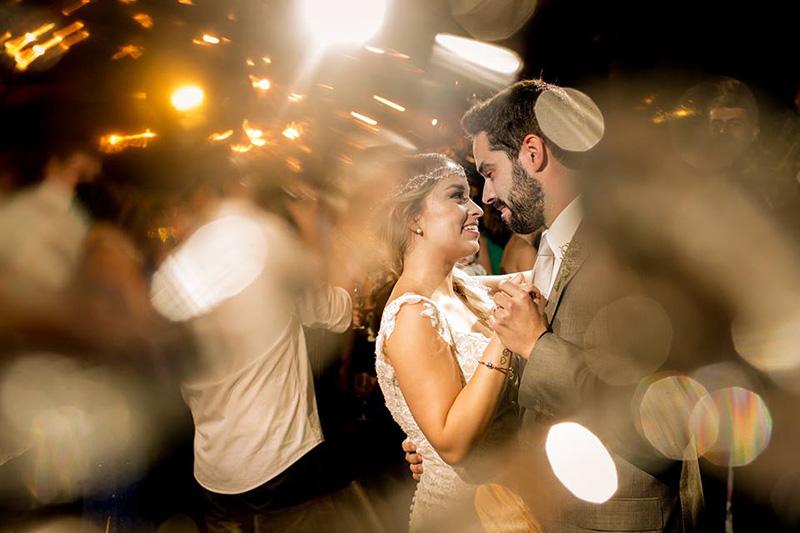 dança dos noivos casamento na praia