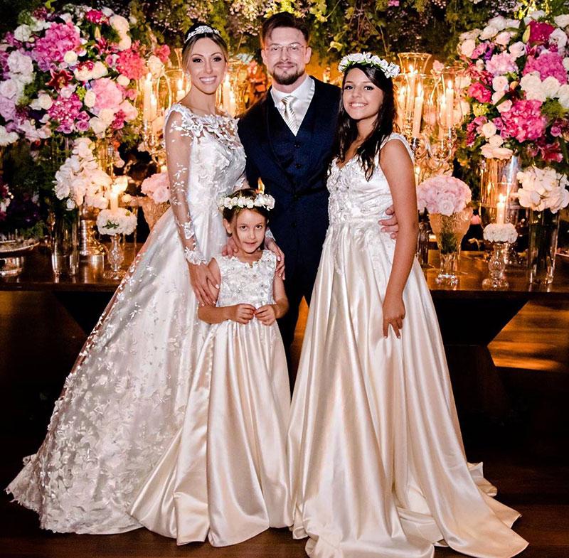 noivos e suas filhas