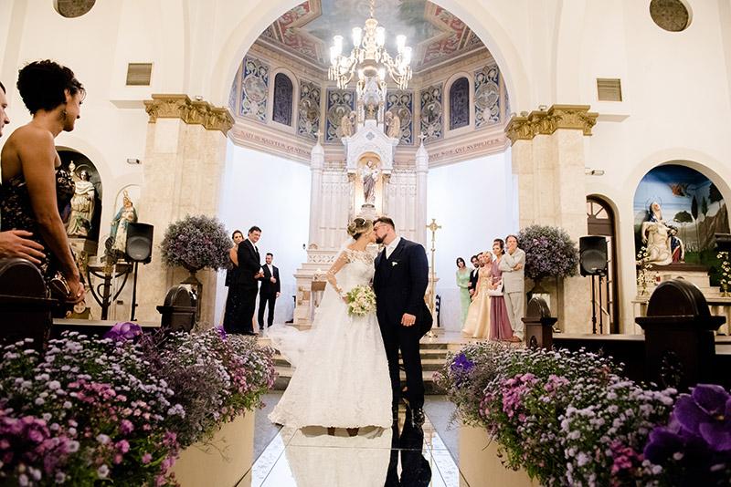 primeiro beijo dos noivos