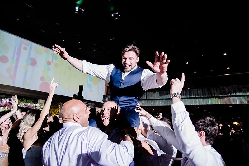 paulo muzy noivo na festa de casamento