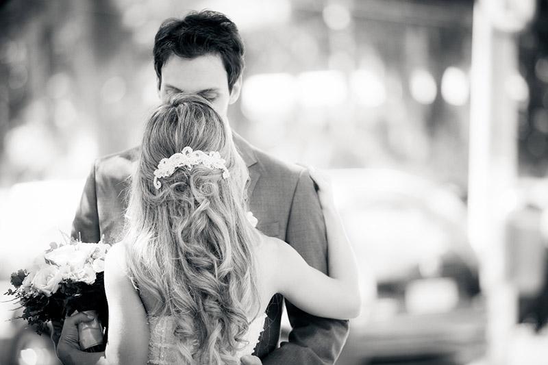 beijo do sim no casamento ricardo hara
