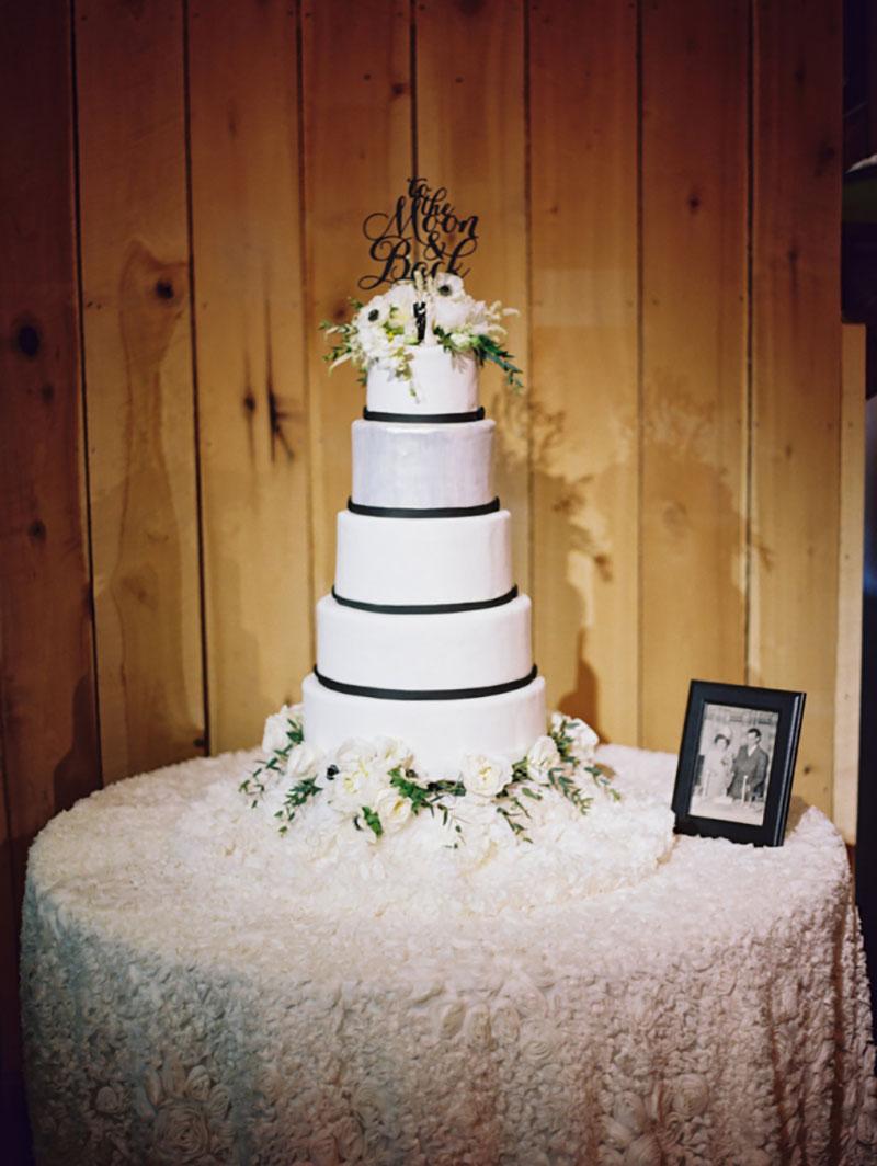 bolo de casamento decoração preto e branco