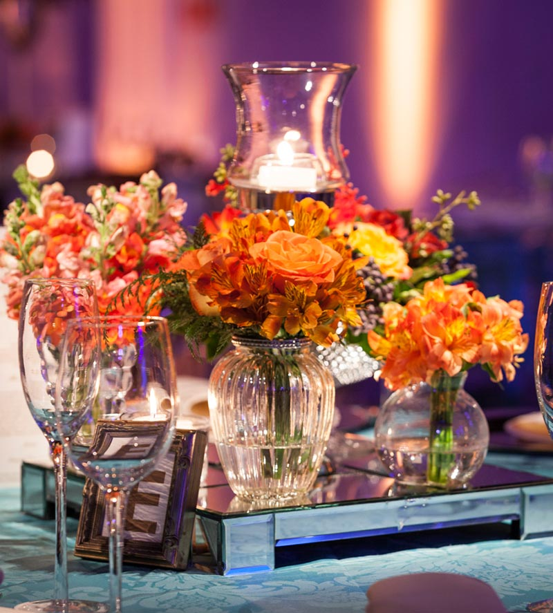 decoração de casamento com velas na mesa de convidados Madame Fiori