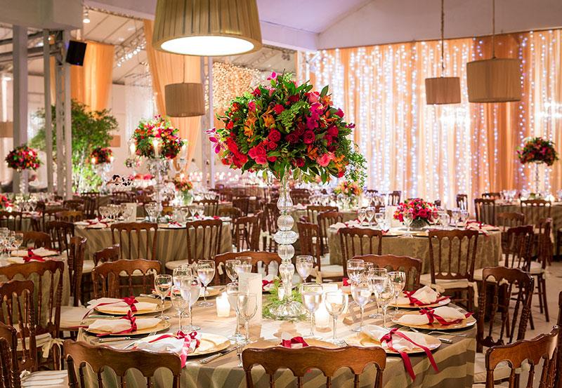 Arranjo alto decoração mesa de convidados Madame Fiori