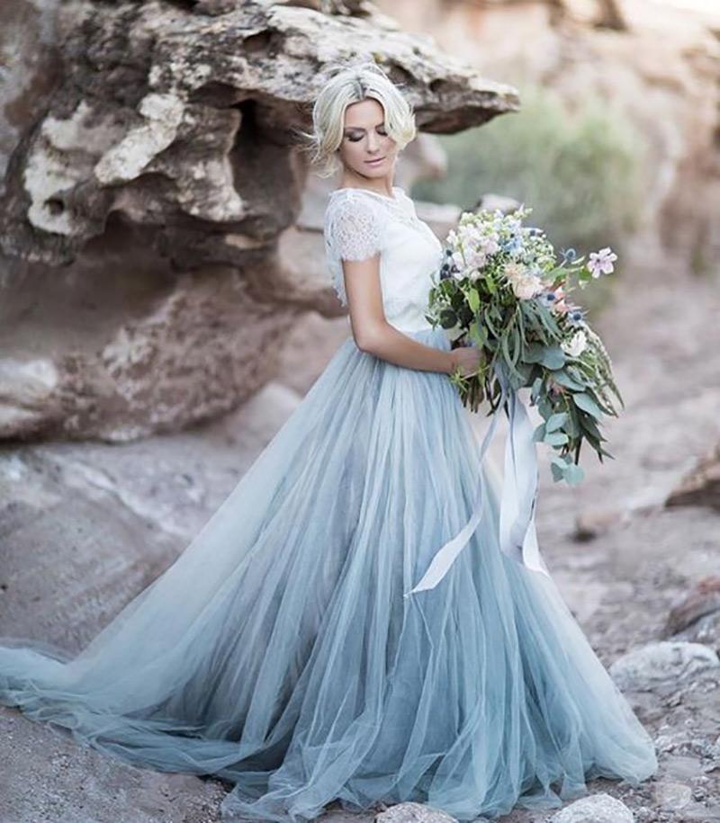 vestido de noiva para praia com saia azul