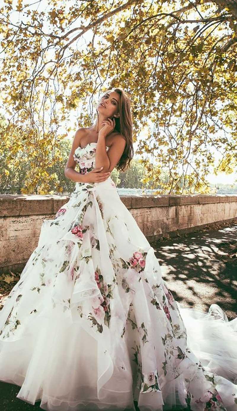 vestido de noiva com estampa de flores
