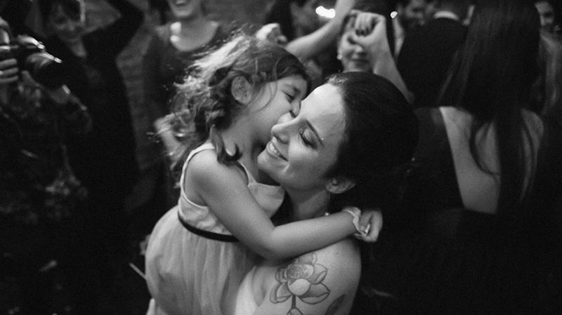 foto de casamento noiva com a filha