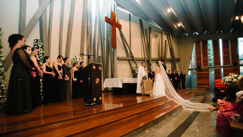 noivos na igreja para casamento em São Paulo