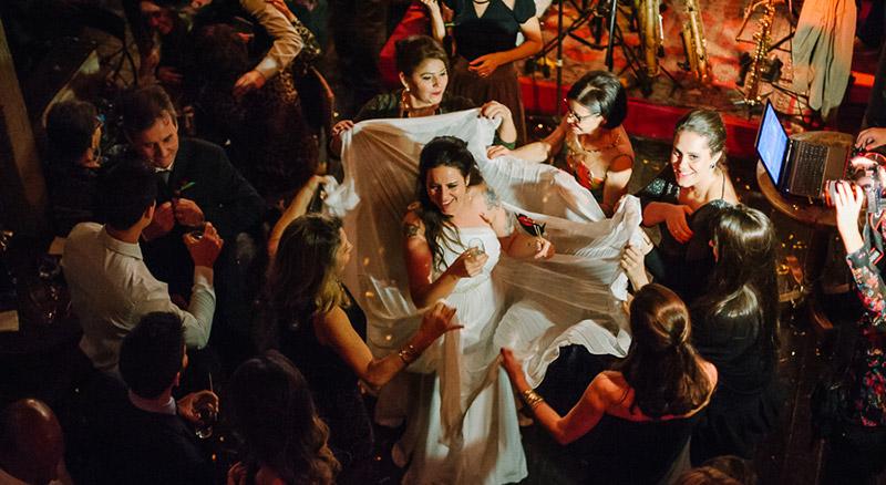 noiva na festa de casamento