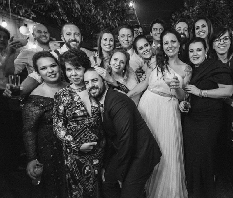 noivos e padrinhos de casamento