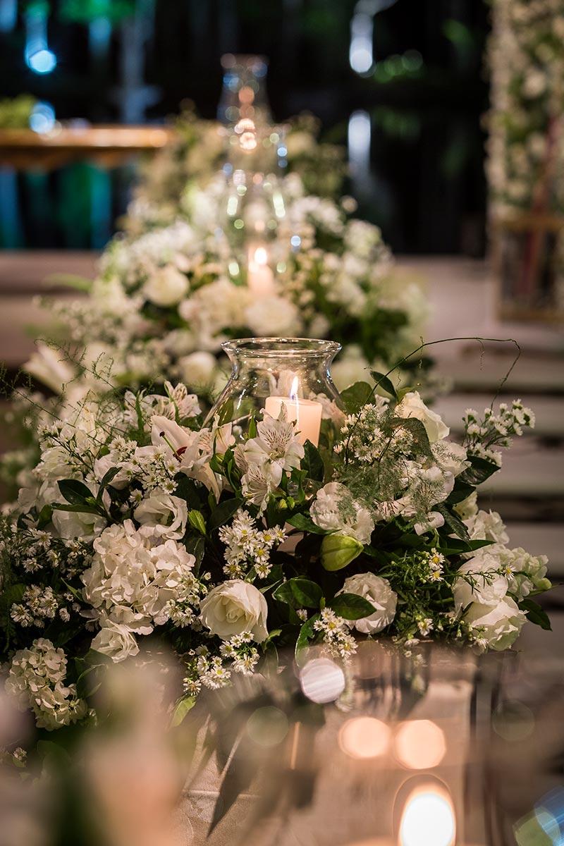 decoração de casamento clássico branco