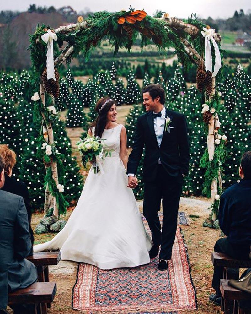 arco de flores para casamento com decoração de Natal