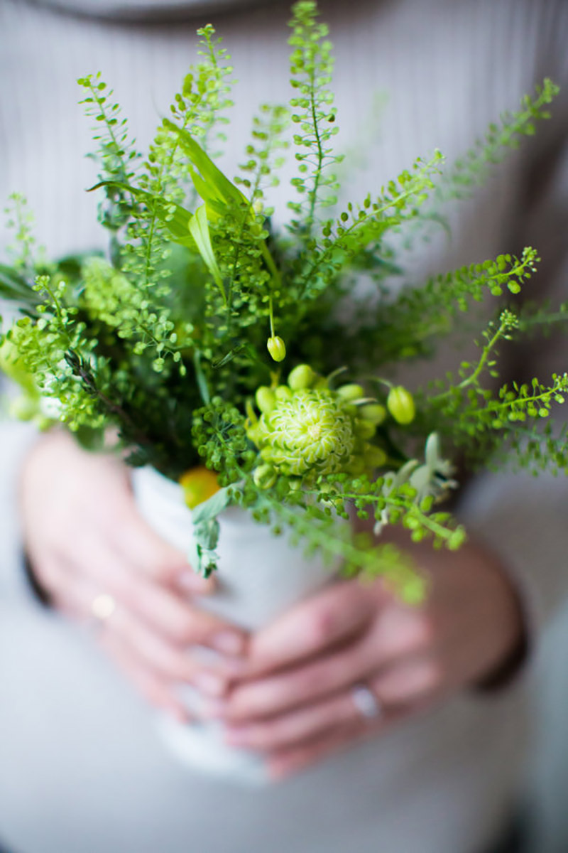 buquê de noiva com a cor greenery