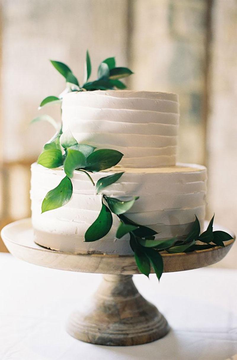 bolo de casamento com a cor greenery
