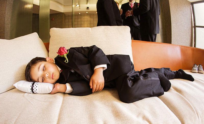 pajem dormindo antes do casamento