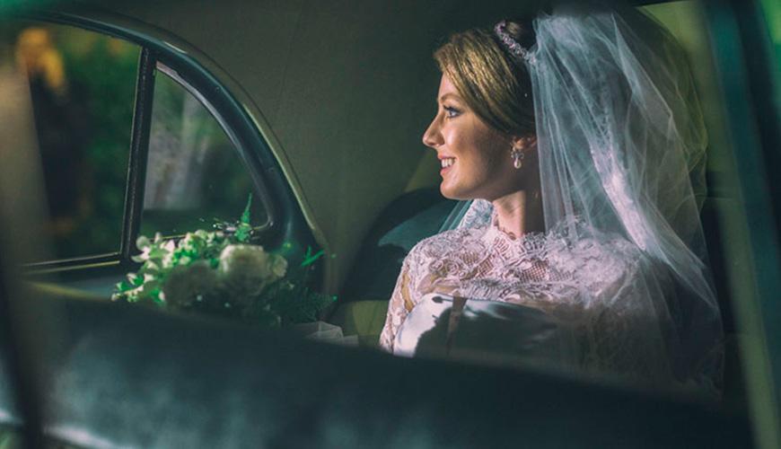 Motivos para contratar o serviço de carro e motorista para o seu casamento
