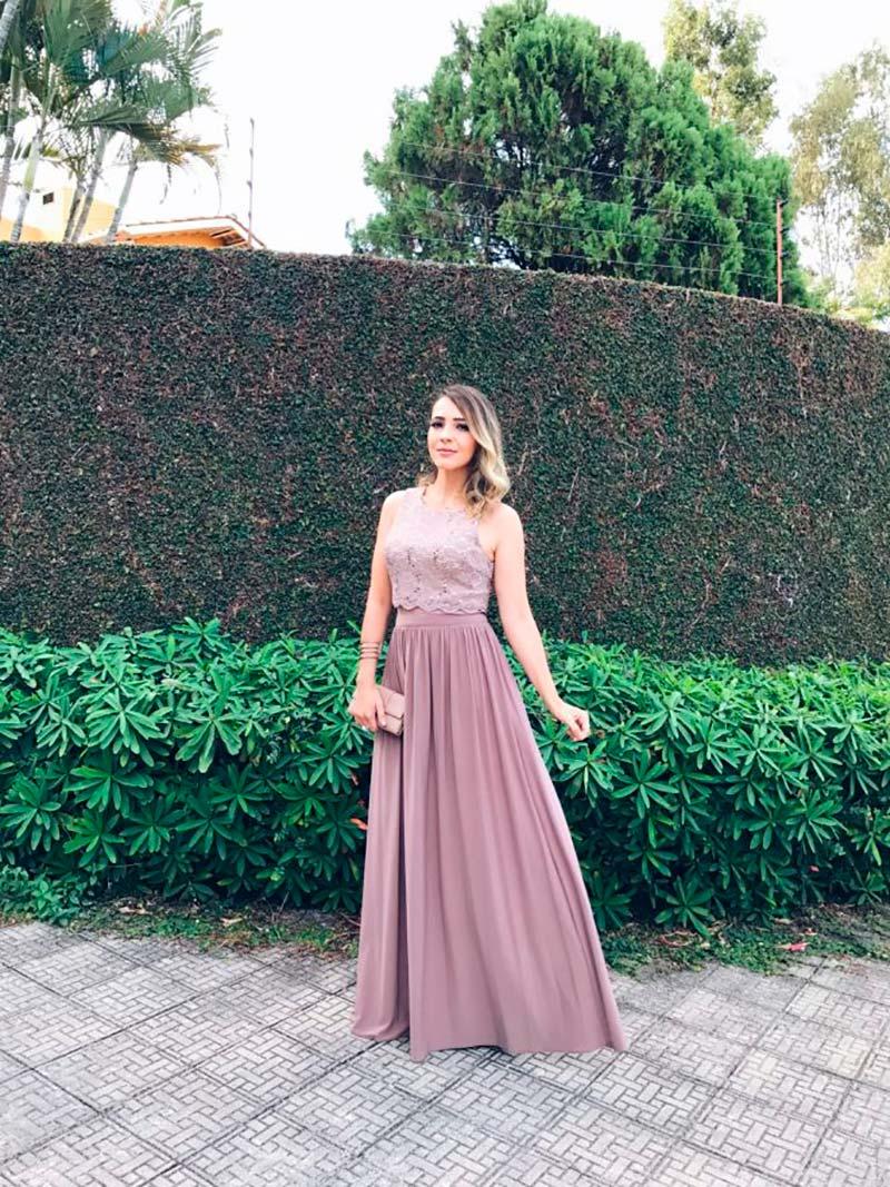 07a50575549 6 lojas de aluguel de vestidos em São Paulo para madrinhas - Lejour