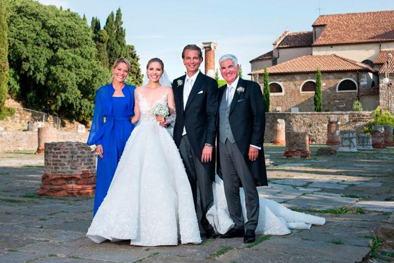 Victoria, Werner e os pais da noiva
