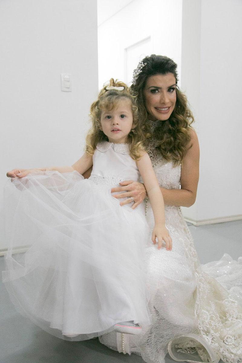 Carol Castelo Branco e sua filha Sophia