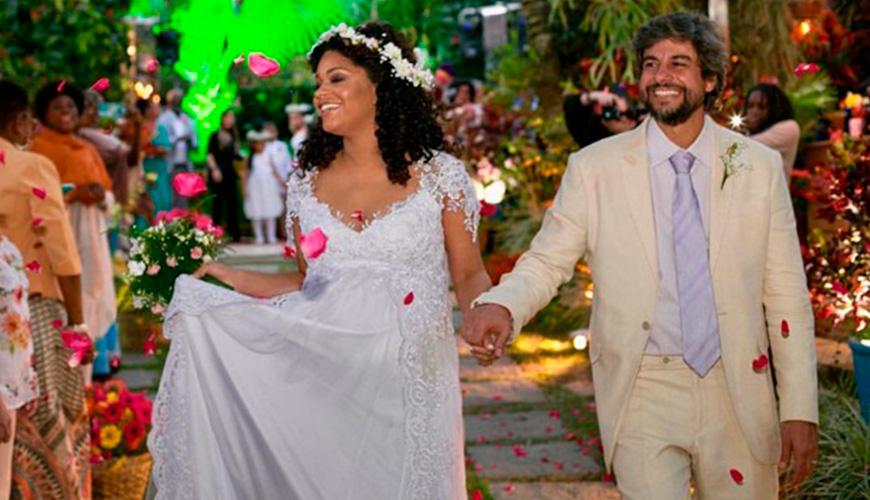 Atriz Juliana Alves, grávida de sete meses, se casa com Ernani Nunes