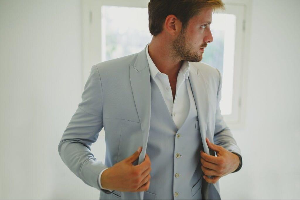 Smoking, terno, costume, fraque ou meio-fraque: escolha o traje do noivo