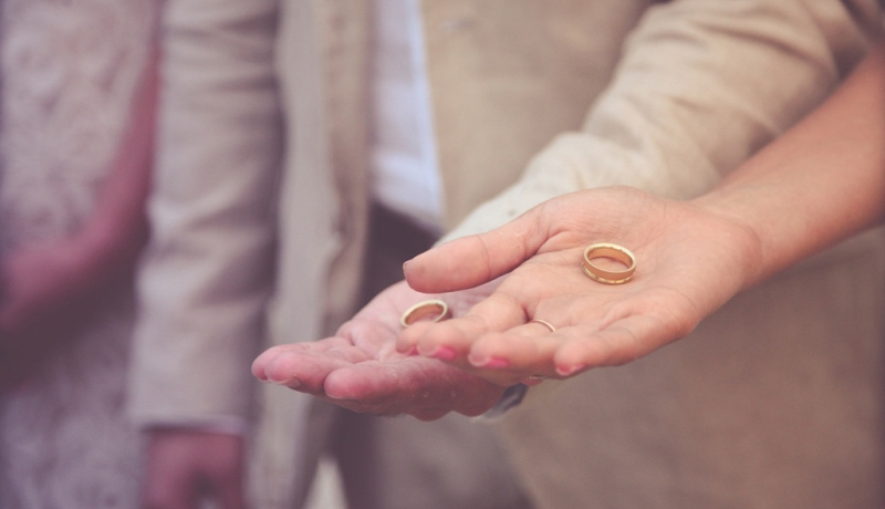 Como escolher sua aliança de casamento
