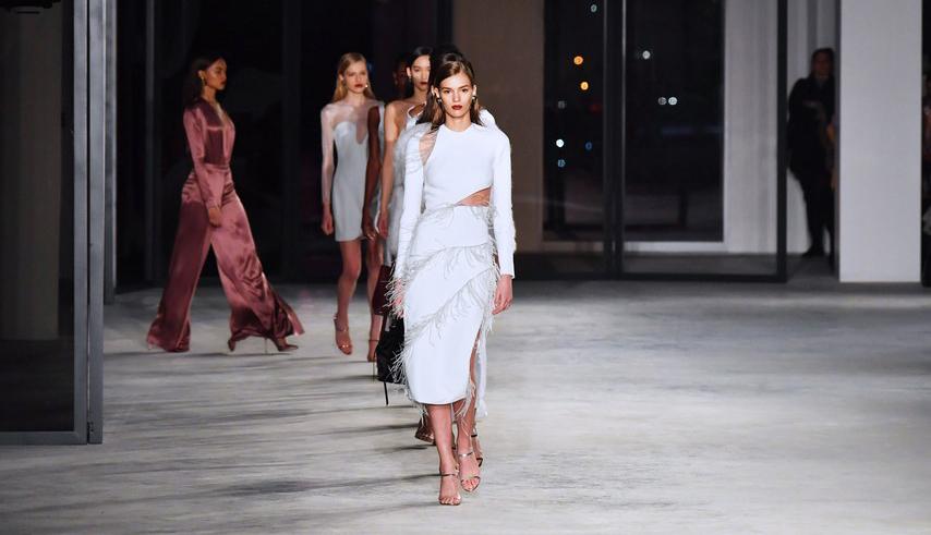 Vestido de noiva direto das passarelas da NY Fashion Week