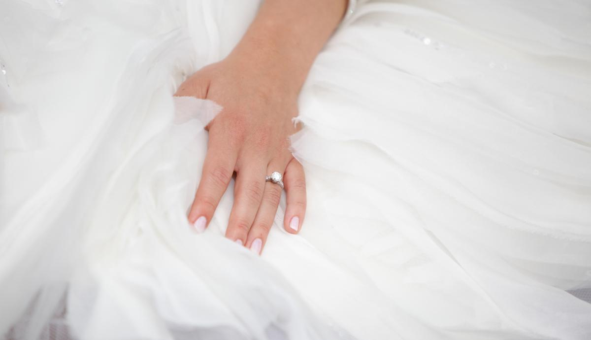 O esmalte ideal para a noiva de cada signo