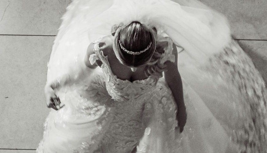 As fotos que você precisa fazer com o vestido de noiva