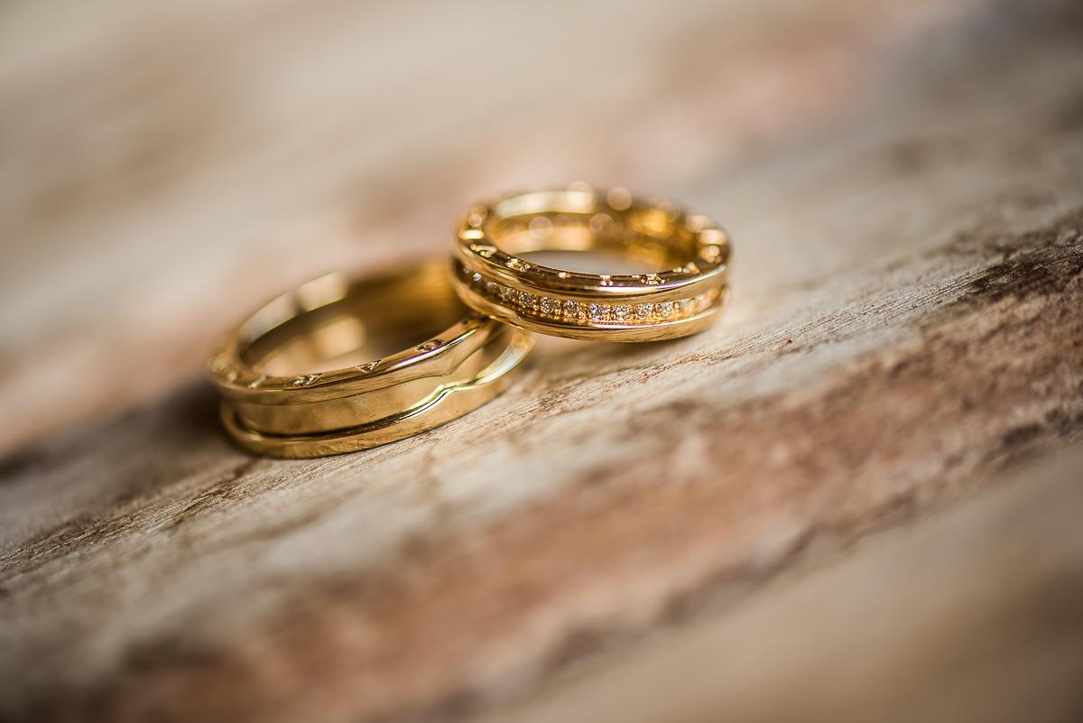 21 ideias lindas de fotos das alianças do casamento